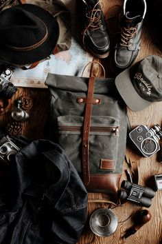 """"" bradleymountain """" Bradley Mountain USA Made Goods.bradleymounta… Photo by Titus Haug """" Style Hipster, Rugged Style, Mens Style Guide, Gentleman Style, Bradley Mountain, Trekking, Style Guides, Fashion Accessories, Mens Fashion"