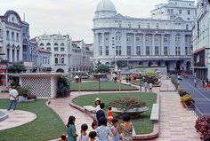 Raffles Place, Singapore, in 1966/67. So beautiful. Now replaced by skyscrapers. So sad.