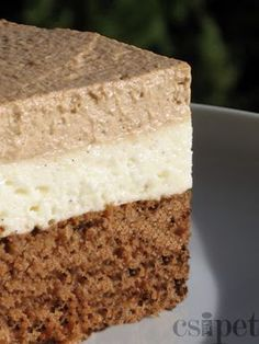 Brazil krémes - kávés piskóta Hungarian Desserts, Hungarian Cake, Hungarian Recipes, Hungarian Food, Other Recipes, My Recipes, Cookie Recipes, Sweet Cookies, Cake Cookies