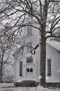Old Fashioned - Snowy Huntsville Methodist Church built North Carolina Old Country Churches, Old Churches, Abandoned Churches, Abandoned Cities, My Father's House, Church Pictures, Take Me To Church, Cathedral Church, Church Building
