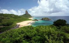 Фернанду-ди-Норонья - потрясающе красивый архипелаг в Бразилии.