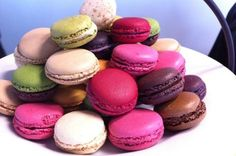 The Parisians are famous for Patisserie and we check out where to go to get mouth-watering croissants and delicate macaroons. Desserts Français, French Desserts, French Food, Delicious Desserts, French Sweets, Meringue, French Macarons Recipe, French Macaroons, Macaroon Recipes