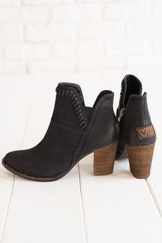 Weston Leather Booties (Black)