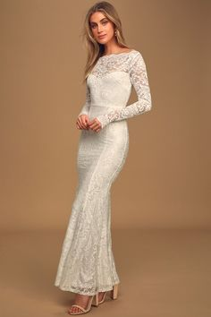 Make it a memorable moment in the Lulus Farida White Lace Long Sleeve Maxi Dress! Stretch floral lace shapes this elegant long sleeve mermaid maxi dress. White Lace Maxi Dress, Halter Maxi Dresses, Maxi Gowns, Maxi Dress With Sleeves, Women's Dresses, Dresses Online, Long Sleeve Maxi, Stunning Dresses, Marie