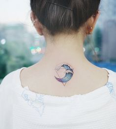 Tremendous Geometric Tattoo Ideas on Back for Girls to Try Now Tattoos on neck Large Tattoos, New Tattoos, Tatoos, Hand Tattoos, Tattoo Designs, Tattoo Ideas, Tattoo Trends, Tattoos For Women, Tattoos For Guys
