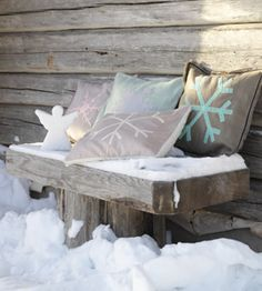 Christmas ☃ Winter Seat on Porch with Pillows & Angel