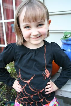 Pink and Green Mama: Bleach Spider Web Halloween Shirt Tutorial