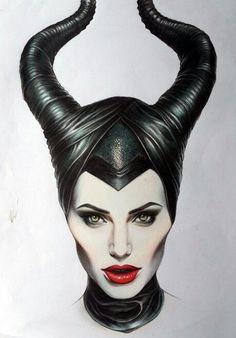 Angelina Jolie as Maleficent Maleficent Drawing, Maleficent Tattoo, Maleficent Makeup, Angelina Jolie Maleficent, Maleficent Costume, Disney Maleficent, Disney Villains, Malificent, Drawing Sketches