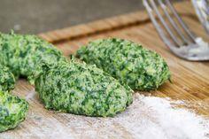 E' la versione della nonna di una nostra amica. Gli gnudi di spinaci e ricotta sono un esempio di vero cibo fatto in casa facile da replicare