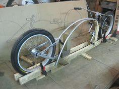 Kawasaki Cafe Racer, Cool Bicycles, Cool Bikes, Velo Tricycle, Bike Chopper, Bici Retro, Velo Cargo, Lowrider Bicycle, Motorised Bike