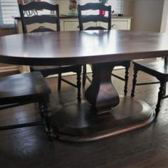 Custom oval tables have been gaining popularity lately! They are a good compromise between a round and a rectangular table. This piece is stylish and one-of-a-kind. 60 Inch Round Table, Oval Table, Round Tables, Solid Wood Furniture, Custom Furniture, Table And Chairs, Dining Tables, Home Kitchens, Rustic