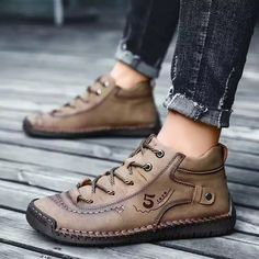 Mens Leather Ankle Boots, Leather Men, Mens Winter Shoes, Golden Shoes, Business Shoes, Handmade Leather Shoes, Best Shoes For Men, Vintage Stil, Vintage Leather