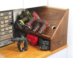 Build a drill charging station - canadian woodworking magazine Small Woodworking Projects, Woodworking Power Tools, Woodworking Books, Learn Woodworking, Woodworking Magazine, Teds Woodworking, Woodworking Equipment, Wood Projects, Woodworking Workshop