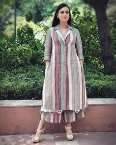 Best Trendy Outfits Part 16 Sharara Designs, Kurta Designs Women, Kurti Designs Party Wear, Blouse Designs, Indian Dresses, Indian Outfits, Trendy Outfits, Fashion Outfits, Kurta Neck Design