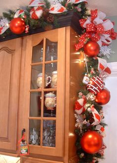 I love this red/white garland!! A lot for above the cupboards, but I could find a place to incorporate it!