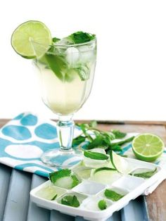 It's 5 O'Clock Somewhere: Mint Mojito