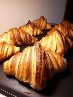 banana mug cake Croissants, Biscotti, Baked Potato, Donuts, Sweets, Baking, Cake, Ethnic Recipes, Desserts
