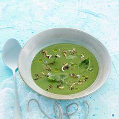 Découvrez la recette de la soupe d'été Gazpacho, Ethnic Recipes, Desserts, Food, Bouquet, Summer, Cooking, Cream Soups, Cooking Recipes