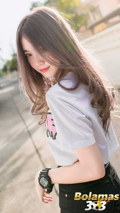 Latest Asian Woman Long Hairstyle Trends for Winter – Trendy Fashion Ideas Korean Beauty Girls, Pretty Korean Girls, Cute Korean Girl, Cute Asian Girls, Beautiful Asian Girls, Asian Beauty, Cute Girls, Emo Girls, Girl Pictures