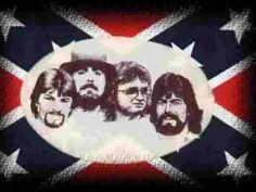 Alabama is a Grammy Award-winning country music and southern rock band that originated in Fort Payne, Alabama, United States. In the late Randy Owen (l. Country Music Videos, Country Music Singers, Country Artists, South Country, Country Strong, Fort Payne Alabama, American Country, Outlaw Country, Country Bands