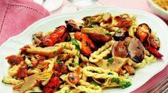 Morgongiori vi invita a gustare le Lorighittas frutti di mare e carciofi.
