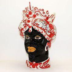 """Testa in ceramica di Caltagirone, modello Ornato Rosso collezione """"Verus"""".   Diam. cm 25/27 x H. cm 45."""