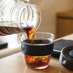 The perfect on the go vessel, now in glass, and are Barista standard sizes Travel Coffee Maker, Reusable Cup, Tea Mugs, Barista, Morning Coffee, Cork, Brewing, Alcoholic Drinks, Lime