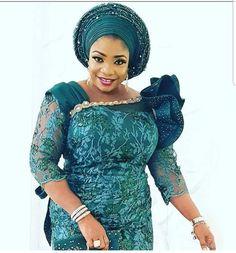 Alluring Asoebi styles to rock Nigerian Lace Styles Dress, African Lace Styles, Lace Dress Styles, Latest African Fashion Dresses, African Dresses For Women, African Attire, Latest Fashion, Unique Ankara Styles, African Fashion Traditional