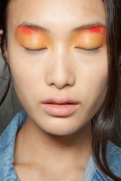 Peter Som. http://votetrends.com/polls/369/share #makeup #beauty #runway #backstage
