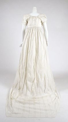 (American) Dress ca. 1810; back view