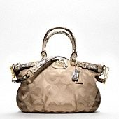 LOVE coach purses!!