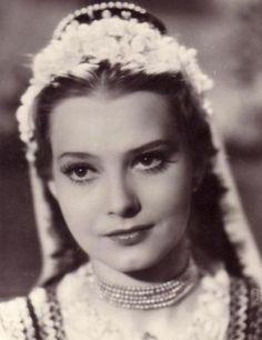 Szeleczky Zita Famous Women, Pearl Necklace, Marvel, Crown, Pearls, Inspiration, Jewelry, Budapest, Google