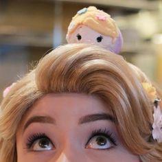 Rapunzel tangled Rapunzel Characters, Disneyland Face Characters, Disney Characters Costumes, Disney World Characters, Walt Disney World, Disney Land, Disney Parks, Disney Princess Rapunzel, Disney Tangled