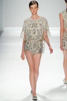 Osklen Spring 2014 Ready-to-Wear Fashion Show