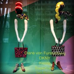 De Bijenkorf Rotterdam Happy Future Fashion Window Display, Fashion Displays, Store Window Displays, Bag Display, Visual Display, Retail Windows, Store Windows, Vitrine Design, Store Interiors