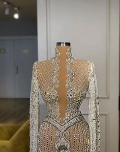 Discovered by H. Find images and videos about fashion, style and dress on We Heart It - the app to get lost in what you love. Glam Dresses, Event Dresses, Couture Dresses, Sexy Dresses, Fashion Dresses, Formal Dresses, Stunning Dresses, Pretty Dresses, Dress To Impress