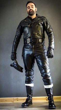 Men's Leather Jackets: How To Choose The One For You. A leather coat is a must for each guy's closet and is likewise an excellent method to express his individual design. Leather jackets never head out of styl Mens Leather Pants, Leather Gloves, Motorcycle Leather, Biker Leather, Leather Jackets, Revival Clothing, Leder Outfits, Men In Uniform, Leather Fashion