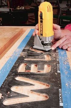 Top Small Woodworking Projects Tips To Get Started In The Craft - Woodworking DIY Trim Router, Wood Router, Router Woodworking, Woodworking Furniture, Woodworking Crafts, Woodworking Tools, Woodworking Workshop, Woodworking Square, Woodworking Articles