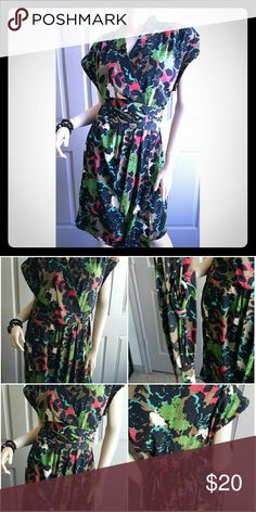 Kimono Style Wrap Dress, Sz-14 NWT I love this colorful Kimono Style Wrap Dress. Photo show w/o belt and then with belt. Very vibrate and makes a great statement.  BRAND NEW w/Tags Unknown  Dresses