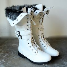 white wonderland boots with the fur - shophearts - 1 Dark Brown Chelsea Boots, Furry Boots, Only Shoes, White Boots, Sock Shoes, Women's Shoes, Skinny, Suede Shoes, Ankle Booties