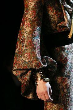 Saint Laurent - Spring Summer 2013 Ready-To-Wear - Shows - Vogue. Couture Fashion, Runway Fashion, Fashion Show, Womens Fashion, Couture Details, Fashion Details, Fashion Design, French Fashion, Vintage Fashion