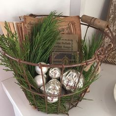 Simple Christmas..... #farmhousechristmas #christmasonthefarm #simplicity #farmfreshideas