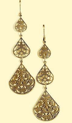Classic three tiered filigree earrings.