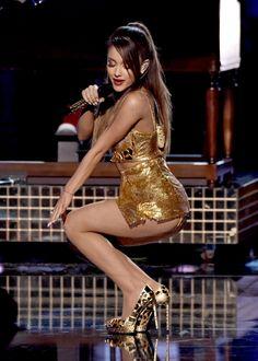 Sexy Horny Cougar