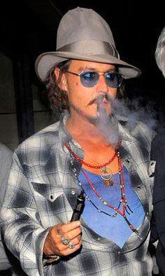 Johnny Depp with his Vape #VaporHub [ Vapor-Hub.com ]: