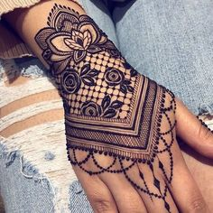 bridal mehendi design mehndi henna lotus jewellery leaf lotus You can find different rumors about the annals of the marriage … Henna Tattoo Sleeve, Mehndi Tattoo, Henna Tattoo Designs, Henna Mehndi, Mandala Tattoo, Lace Tattoo, Easy Mehndi, Henna Mandala, Bridal Mehndi