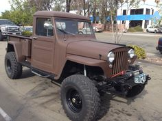 Our friend Wally at Off Road Warehouse in Escondido just sent us a few photos of a customers 1947 Willys Pickup. It's a great looking truck with a 383 small block under the hood! Jeep Willys, Willys Wagon, Cj Jeep, Jeep Pickup Truck, Chevy Trucks, Lifted Trucks, Cool Jeeps, Cool Trucks, Willis Pickup