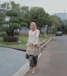 Hijab Gown, Hijab Evening Dress, Hijab Dress Party, Hijab Style Dress, Turban Hijab, Kebaya Modern Hijab, Kebaya Hijab, Kebaya Muslim, Model Kebaya Brokat Modern