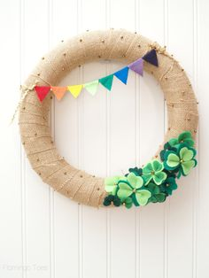 Lucky St Patricks Day Wreath Would be cute to do a rainbow with a pot of gold tucked into the shamrocks. Also, put a clover into the clover patch. Wreath Crafts, Diy Wreath, Wreath Ideas, Wreath Making, Grapevine Wreath, Burlap Wreath, Holiday Wreaths, Holiday Crafts, Holiday Ideas