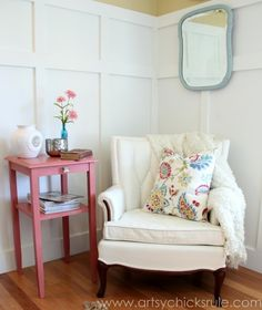 Thrifty Side Table Makeover {Annie Sloan Chalk Paint®}